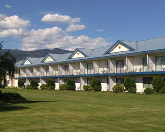 Monashee Motel - Sicamous - Building