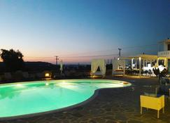 Naxos Mare Studios - Agia Anna - Piscine