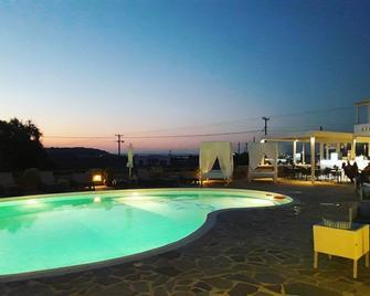 Naxos Mare Studios - Agia Anna - Pool