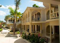 Cocolapalm Seaside Resort - Negril - Building