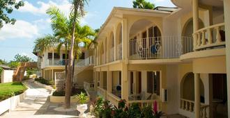 Cocolapalm Seaside Resort - Negril