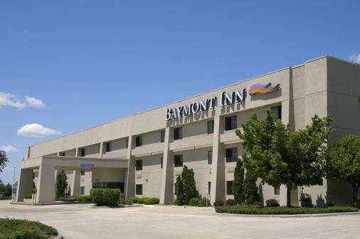 Baymont by Wyndham, Springfield - Springfield - Building
