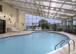 Baymont by Wyndham Springfield - Springfield (Verenigde Staten) - Zwembad
