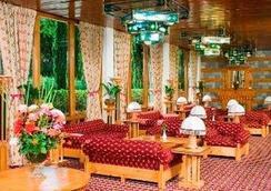 Gilgit Serena Hotel - Gilgit - Lobby
