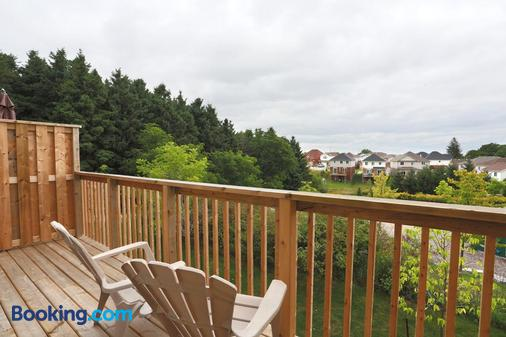 Boardwalk Homes Executive Guest Houses - Kitchener - Balcony