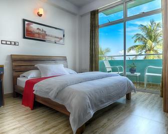 Beach Sunrise Inn - Hulhumale - Bedroom