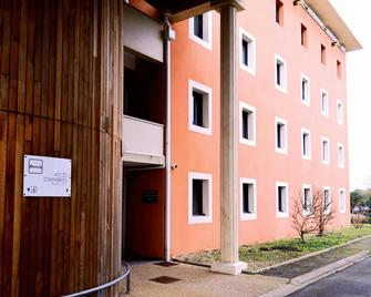 Hôtel & Résidence Futuroscope - Poitiers - Building