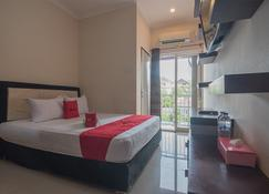 RedDoorz near E Walk Mall Balikpapan - Balikpapan - Bedroom