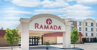 Ramada by Wyndham Watertown - Watertown