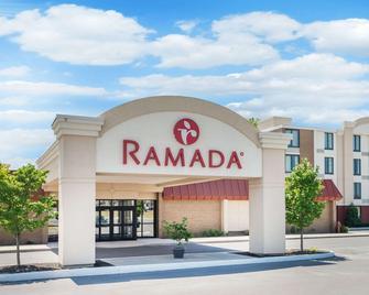 Ramada by Wyndham Watertown - Watertown - Building