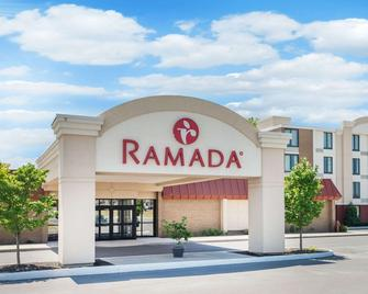 Ramada by Wyndham Watertown - Watertown - Rakennus