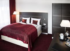 Hotel Rheingarten Duisburg - Duisburg - Phòng ngủ