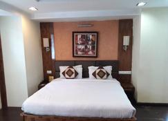 Hotel Raj Residency - Ranchi - Schlafzimmer
