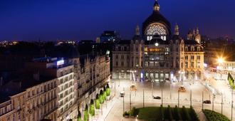 Park Inn by Radisson Antwerpen - Antwerpen - Bygning