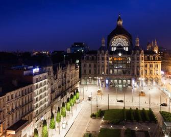 Park Inn by Radisson Antwerpen - Antwerp - Building