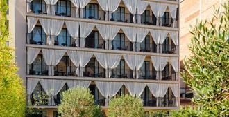 H10 Art Gallery - Barcelona - Building