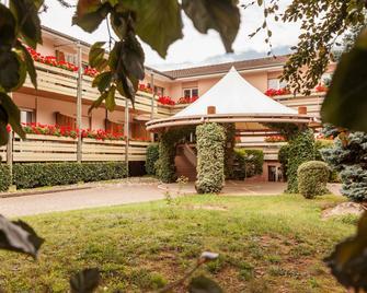 Hôtel Les Remparts - Kaysersberg-Vignoble - Building