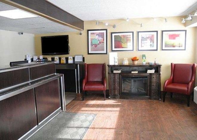 Rodeway Inn - Φορτ Γουέιν - Σαλόνι ξενοδοχείου