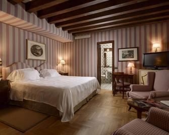 Hotel Villa Cipriani - Asolo - Slaapkamer