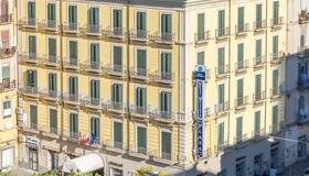 Best Western Hotel Plaza - Nápoles - Edifício