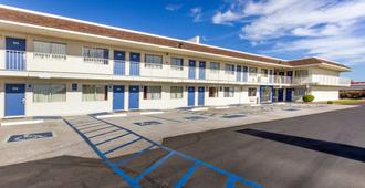 Motel 6 Phoenix North Bell Road - Phoenix - Edificio