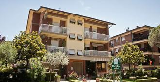 Hotel Vignola - Assisi - Κτίριο