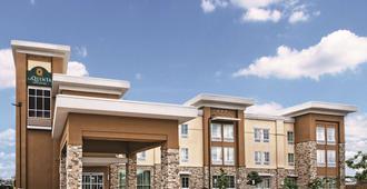 La Quinta Inn & Suites by Wyndham San Antonio by AT&T Center - San Antonio - Gebouw