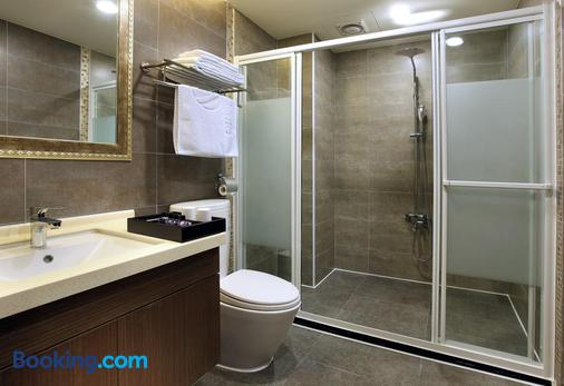 Hotel Modern Puli - Nantou City - Bathroom