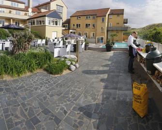 Strandhotel Nassau Bergen - Bergen aan Zee - Gebouw
