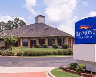 Baymont by Wyndham LaGrange - La Grange - Building