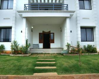 Vythiri Palace - Chundale - Building