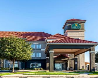 La Quinta Inn & Suites by Wyndham New Braunfels - New Braunfels - Gebäude