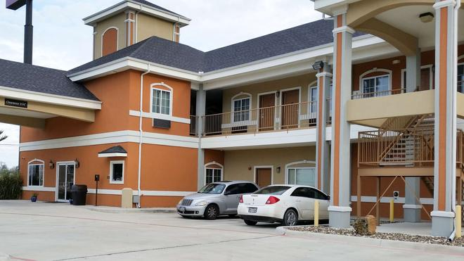 Studio 6 Beeville Tx - Beeville - Building