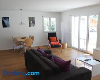 Apartment Beeli - Splügen - Wohnzimmer