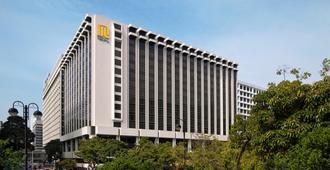 Regal Kowloon Hotel - Hong Kong - בניין