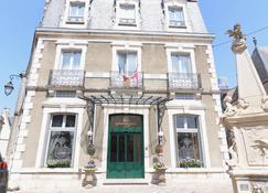 Best Western Plus Hotel D'Angleterre - Bourges - Rakennus