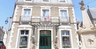 Best Western Plus Hotel D'Angleterre - Bourges - Edificio