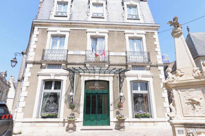 Best Western Plus Hotel D'Angleterre - Bourges - Building