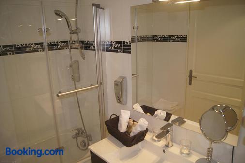 Hotel Regina Montmartre - Paris - Bathroom
