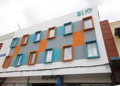 RedDoorz @ Batu Aji Batam - Batam - Edificio