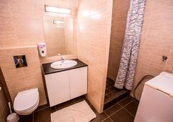 凱皮托爾客棧 - 雷克雅未克 - 浴室