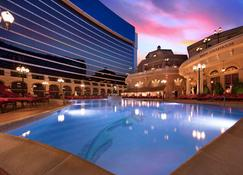 Peppermill Resort Spa Casino - Reno - Pool