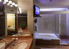 海伍德公園酒店 - 阿士維爾 - 阿什維爾 - 浴室