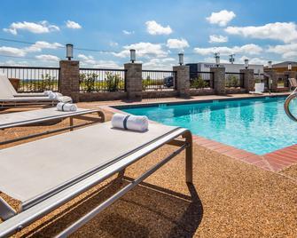 Best Western Club House Inn & Suites - Mineral Wells - Pool