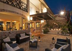 Hotel Palau - Palau - Innenhof