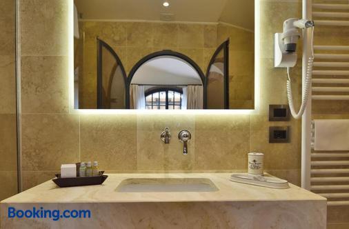 Hotel Borgo San Luigi - Monteriggioni - Bathroom