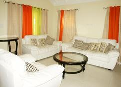 Ocho Rios Villa At Coolshade XI - Priory - Living room