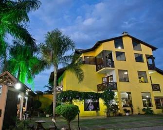 Pousada Villa Guimaraes - Chapada dos Guimaraes - Будівля