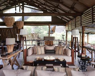 Belmond Safaris - Маун - Living room