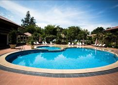 Pangkor Sandy Beach Resort - Pangkor - Piscina